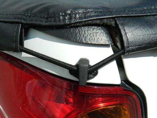 Tonneau cover tailgate hooks